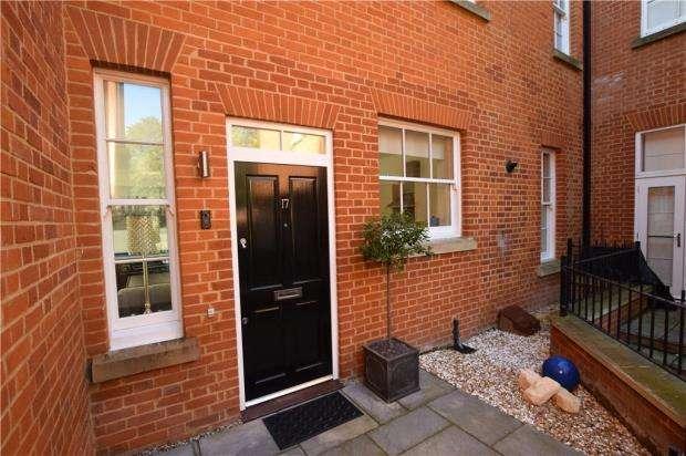 1 Bedroom Maisonette Flat for sale in Brigadier House, Captain Gardens, Colchester