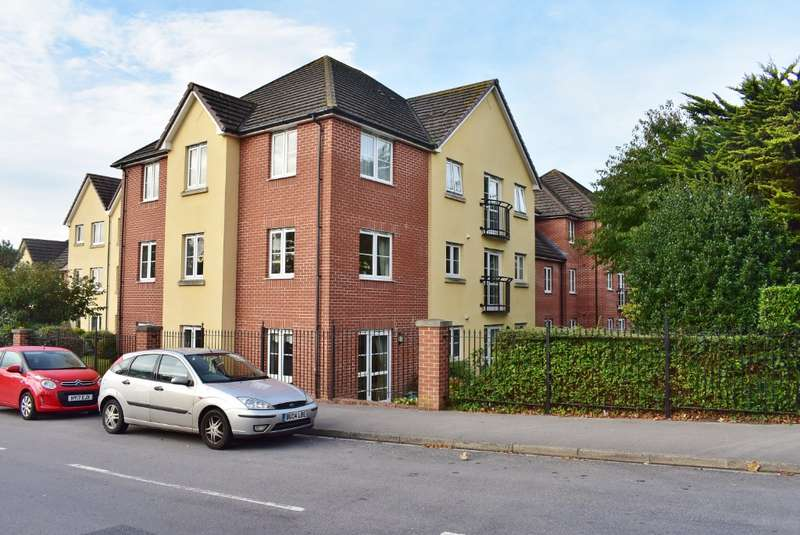 2 Bedrooms Flat for sale in Atkinson Court, Drayton, Portsmouth, PO62HZ