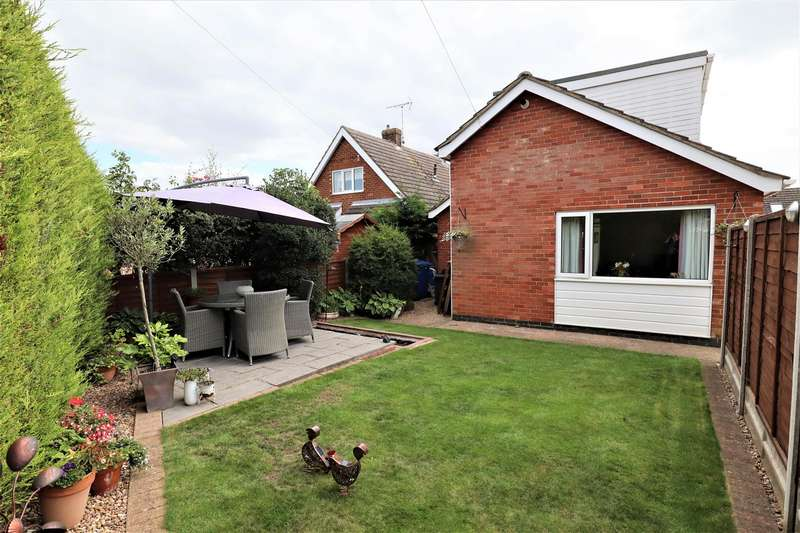 4 Bedrooms Detached Bungalow for sale in Blankney Close, Saxilby, Lincoln