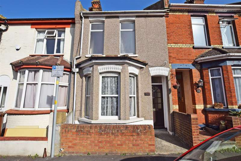3 Bedrooms Terraced House for sale in Shakespeare Road, Gillingham