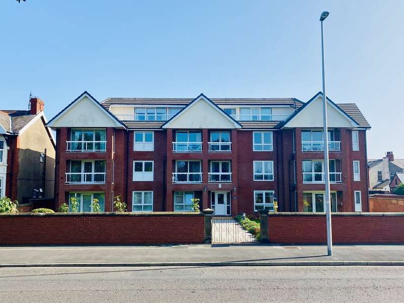2 Bedrooms Flat for sale in Herne Hill Lodge, 598 Lytham Road