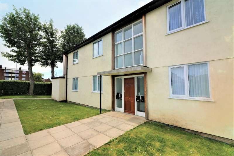 2 Bedrooms Flat for rent in Prenton Hall Road, Prenton , CH43 3AG