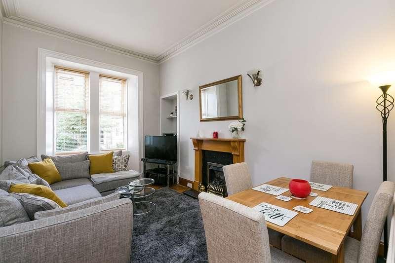 2 Bedrooms Flat for sale in Restalrig Road, Restalrig, Edinburgh, EH6