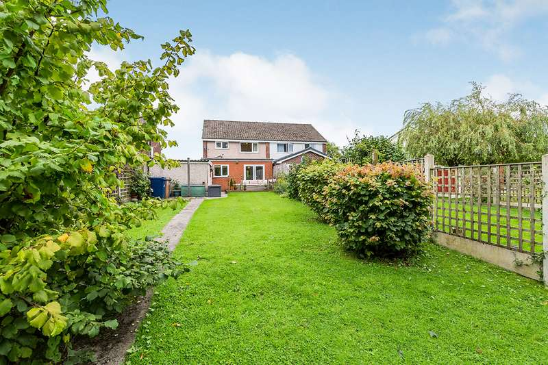 3 Bedrooms Semi Detached House for sale in Renshaw Drive, Walton-le-Dale, Preston, PR5