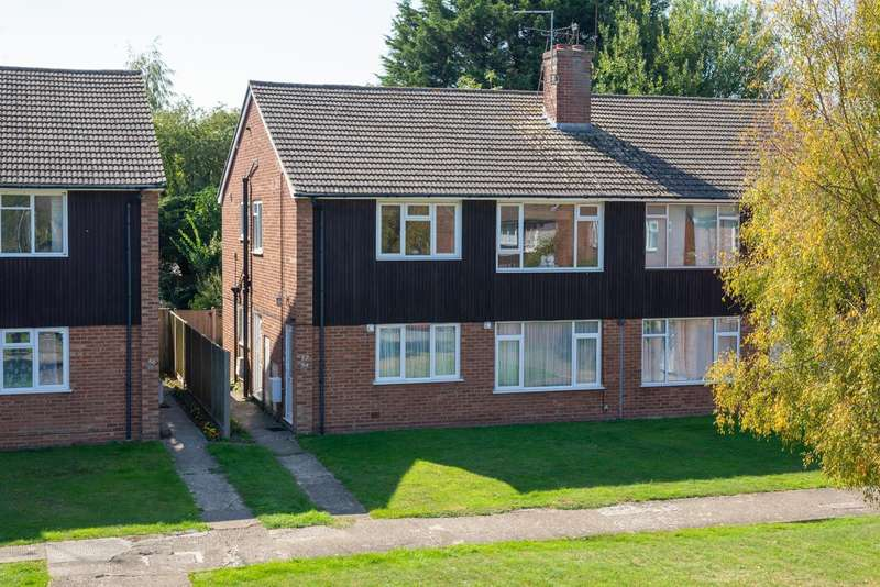 2 Bedrooms Flat for sale in Raymond Avenue, Canterbury, CT1