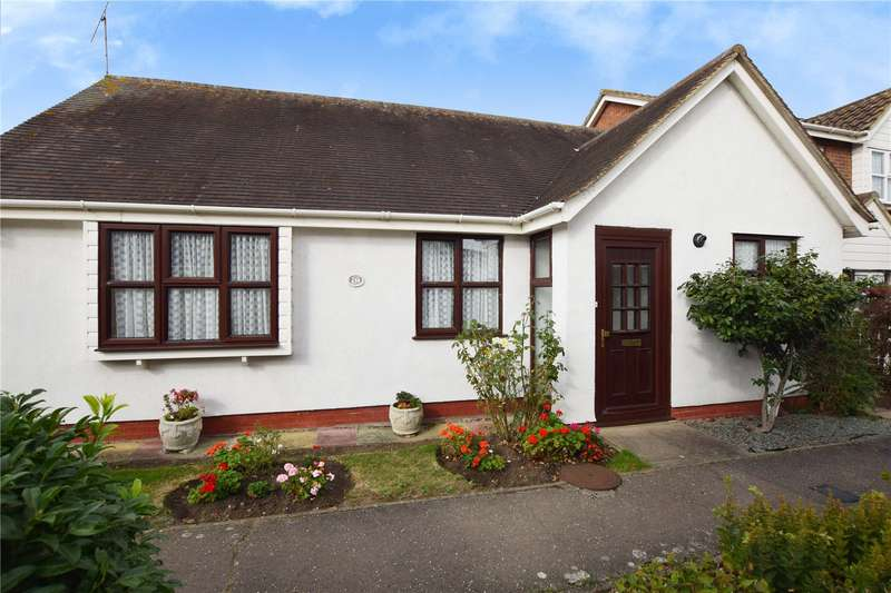 3 Bedrooms Detached Bungalow for sale in Finchland View, South Woodham Ferrers, Chelmsford, CM3