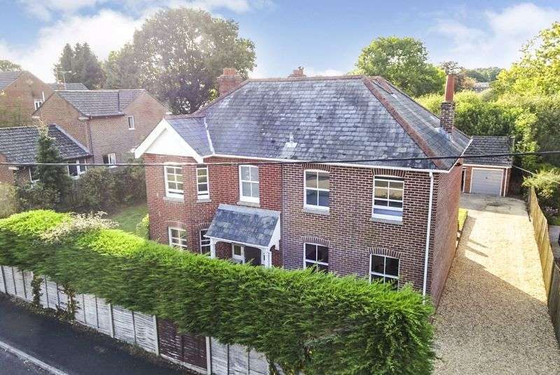 5 Bedrooms Property for sale in Old Brickyard Road, Sandleheath VIDEO TOUR