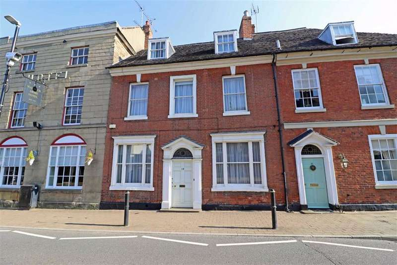 4 Bedrooms Town House for sale in High Street, Warwick, CV34