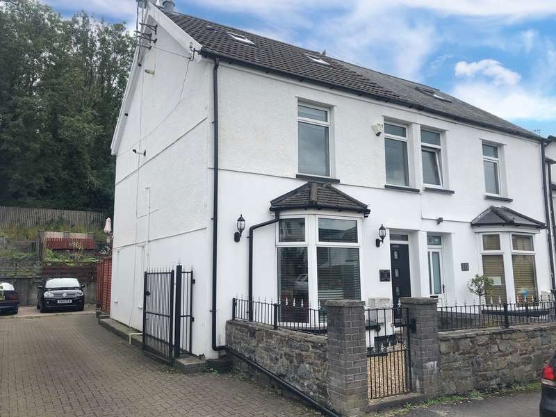 3 Bedrooms Semi Detached House for sale in The Walk, Merthyr Tydfil