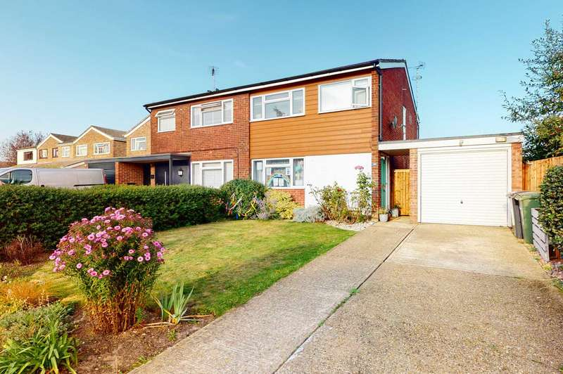 3 Bedrooms Semi Detached House for sale in The Greenways, Coggeshall