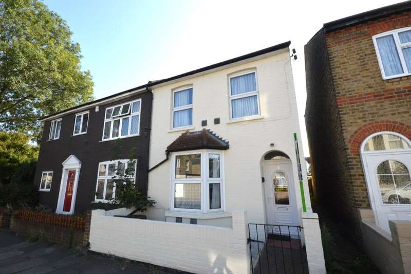 3 Bedrooms Semi Detached House for sale in Gordon Road, Hounslow, TW3