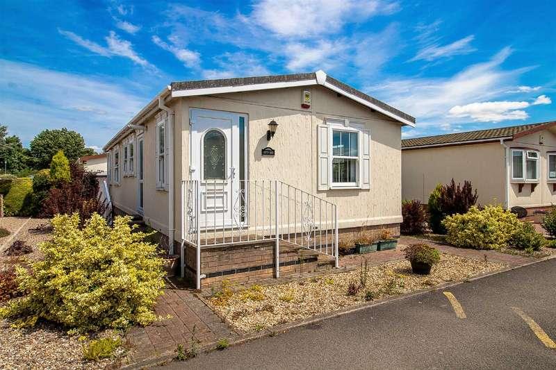 2 Bedrooms Park Home Mobile Home for sale in Greenacres Park, Holme Pierrepont West Bridgford, Nottingham