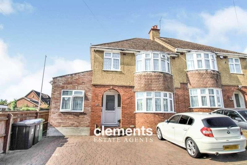 4 Bedrooms Semi Detached House for sale in Nash Mills, Hemel Hempstead