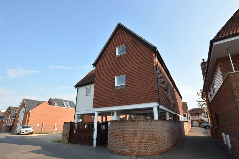 2 Bedrooms Flat for sale in Rashley Mews, Lymington, Hampshire, SO41