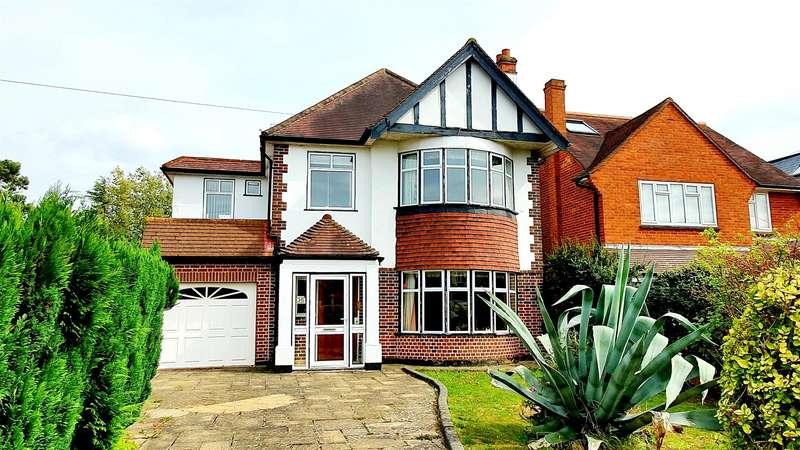 4 Bedrooms Detached House for sale in Delta Road, Worcester Park