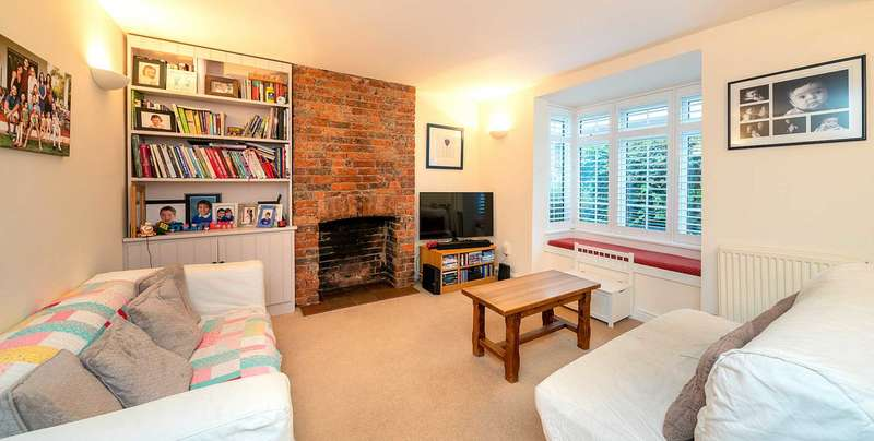 3 Bedrooms Cottage House for sale in Horsecroft Road, Boxmoor