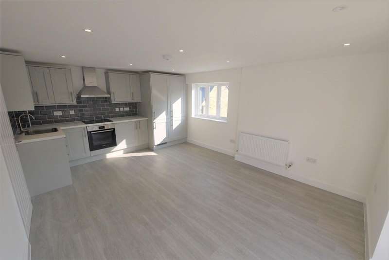 1 Bedroom Apartment Flat for rent in Skyline Court, High Street, Ongar, CM5