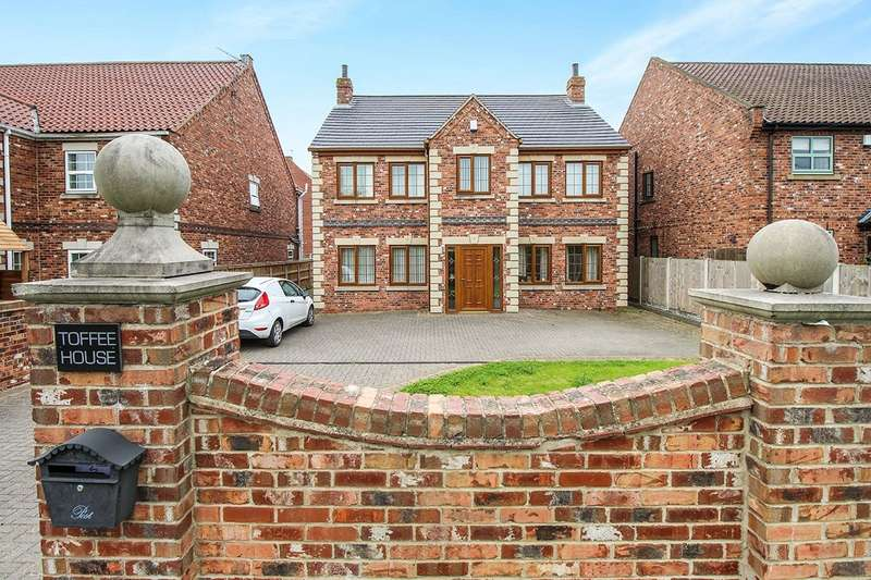 4 Bedrooms Detached House for sale in Trumfleet Lane, Moss, DN6