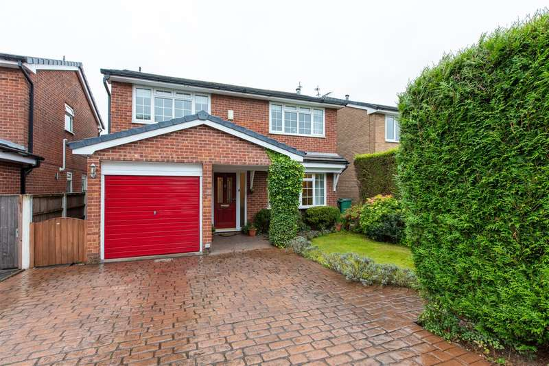 4 Bedrooms Detached House for sale in Grantham Drive, Bury