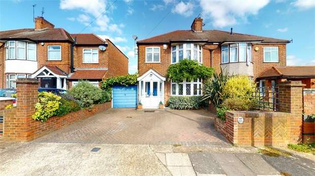 3 Bedrooms Semi Detached House for sale in Albury Avenue, Isleworth, Middlesex