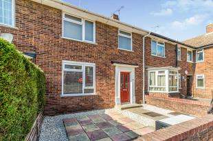2 Bedrooms Terraced House for sale in High Street, Brompton, Gillingham, Kent