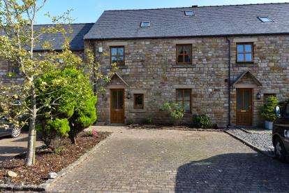 4 Bedrooms Terraced House for sale in Brookholme Court, Lancaster, Lancashire, LA1