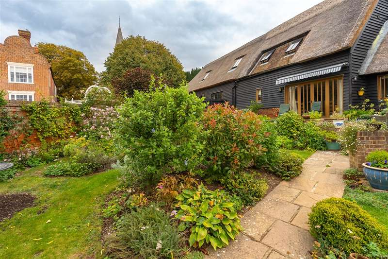 2 Bedrooms Barn Conversion Character Property for sale in Longstraw Barn, 10 Ickham Court Farm, Ickham