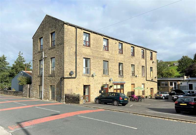 2 Bedrooms Apartment Flat for sale in Becks Crossing, Skipton Road, Trawden, Colne
