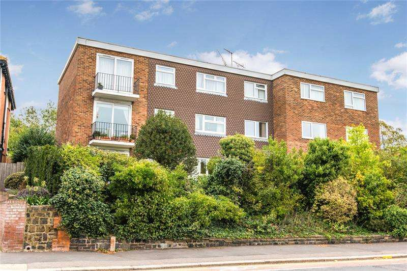 2 Bedrooms Apartment Flat for sale in Kent Lodge, Chalkwell Avenue, Chalkwell, Essex, SS0