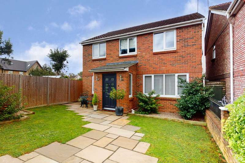 4 Bedrooms Detached House for sale in Myneer Park, Coggeshall