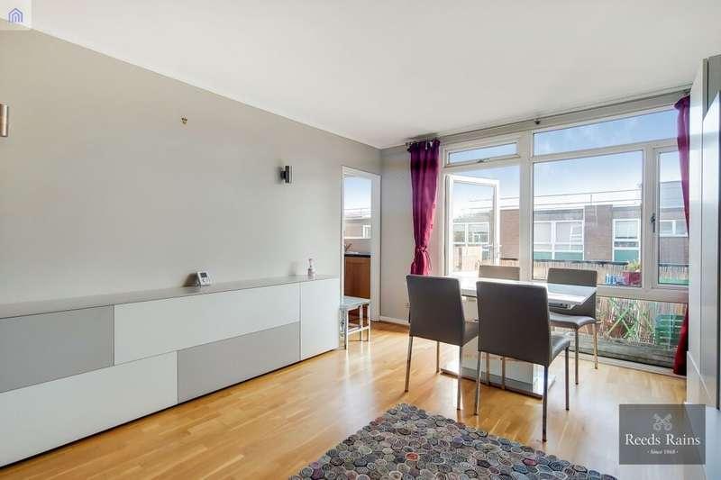 2 Bedrooms Flat for rent in Wincott Street, London, SE11