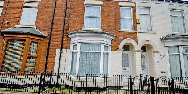 3 Bedrooms Terraced House for sale in Estcourt Street, Hull, HU9