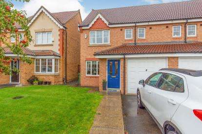 4 Bedrooms Semi Detached House for sale in Apsley Way, Ingleby Barwick, Stockton-On-Tees