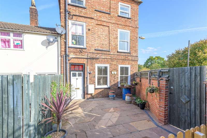 3 Bedrooms Semi Detached House for sale in Cagthorpe, Horncastle