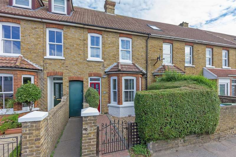 2 Bedrooms Terraced House for sale in London Road, Sittingbourne