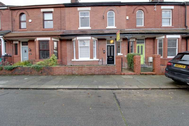 3 Bedrooms Terraced House for sale in Derbyshire Road, Manchester, Greater Manchester, M40