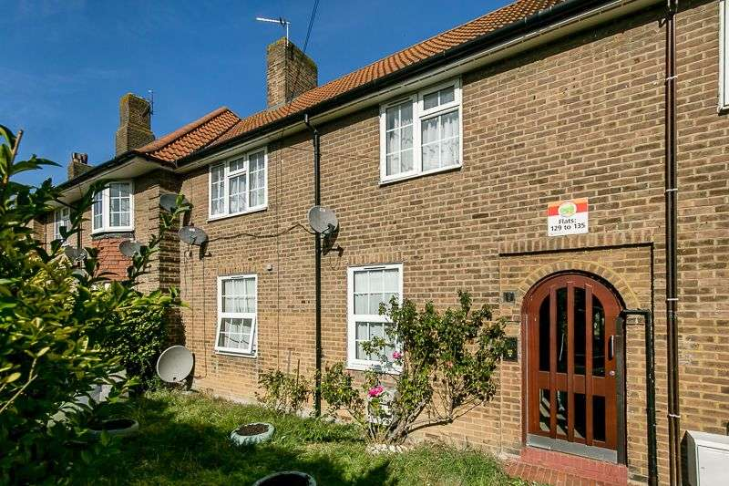 2 Bedrooms Property for sale in Farmfield Road, BROMLEY