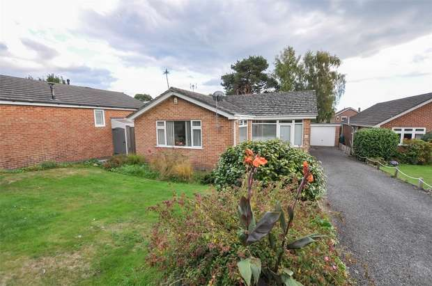3 Bedrooms Detached Bungalow for sale in Cutlers Place, WIMBORNE, Dorset