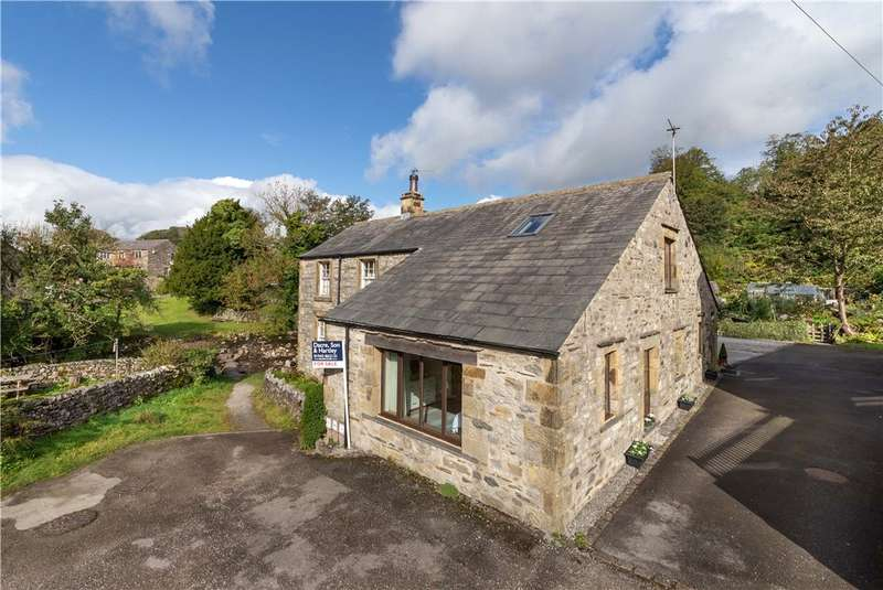 3 Bedrooms Semi Detached House for sale in Stepping Stones Barn, The Green, Stainforth, Settle