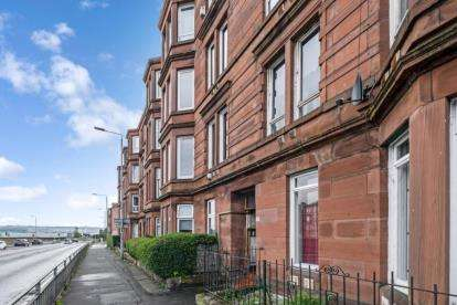2 Bedrooms Flat for sale in Alexandra Park Street, Dennistoun, Glasgow