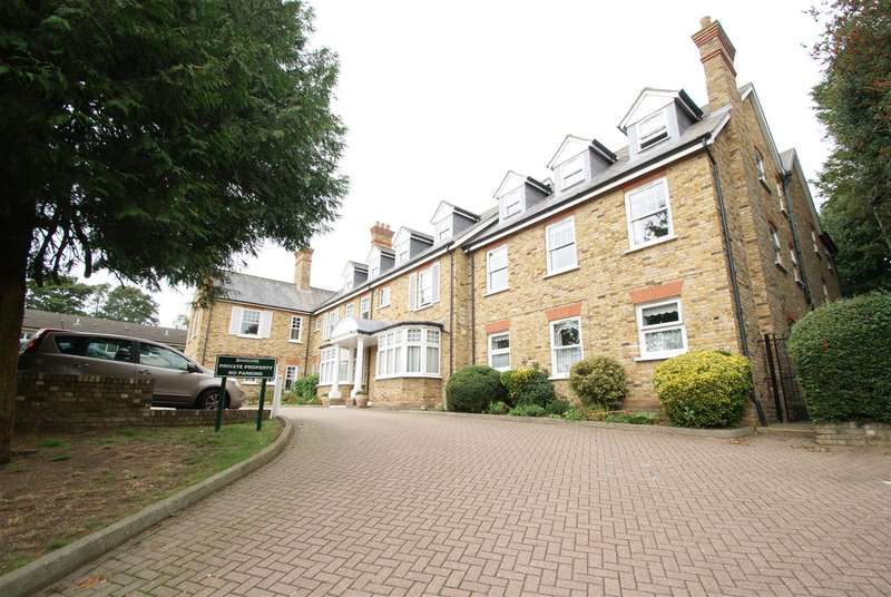 1 Bedroom Retirement Property for sale in Hockley Road, Rayleigh