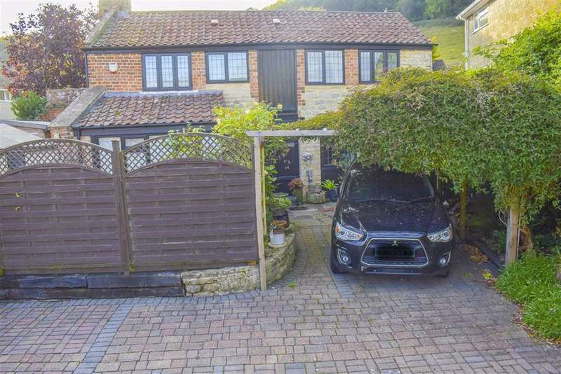 2 Bedrooms Detached House for sale in Woodmancote, Dursley, GL11