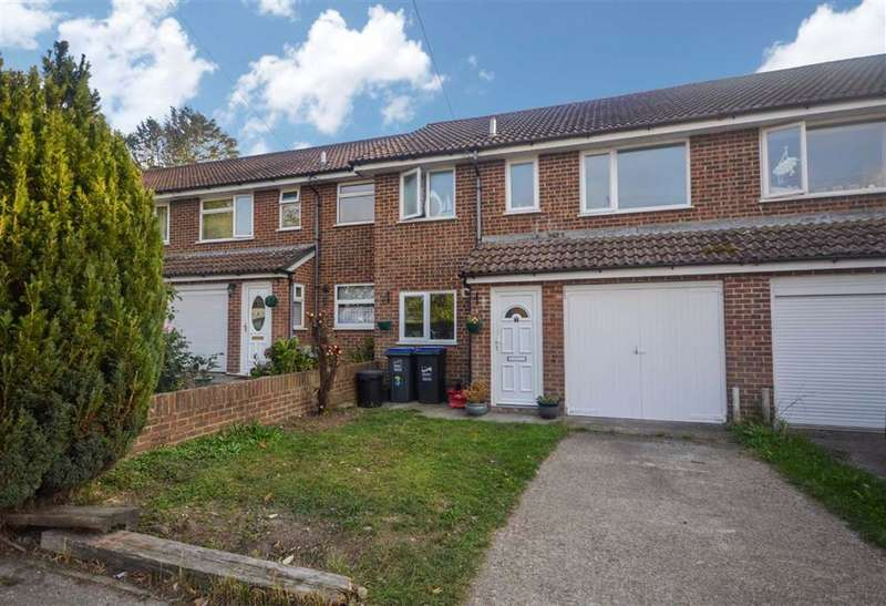 3 Bedrooms Terraced House for sale in Barnett Court, Ramsgate, Kent