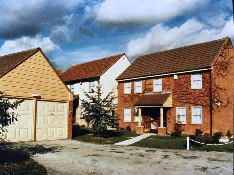 6 Bedrooms Detached House for sale in Garland Way, Hornchurch, Essex, RM11