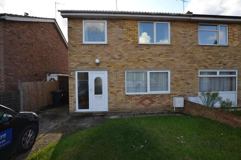 4 Bedrooms House for rent in Berrimans Close, Colchester