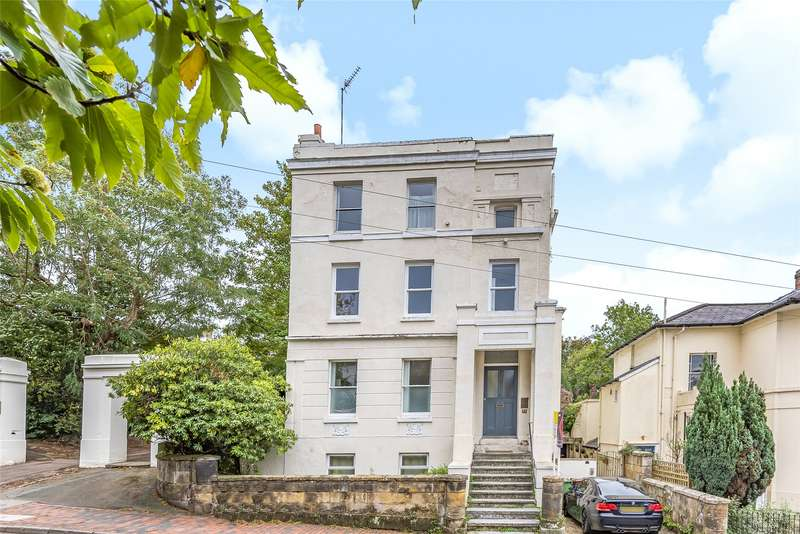 2 Bedrooms Flat for sale in Grove Hill Road, Tunbridge Wells, Kent, TN1