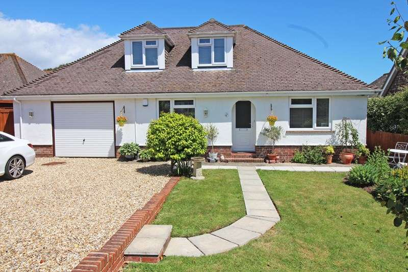 3 Bedrooms Detached House for sale in Lawn Road, Milford On Sea, Lymington, Hampshire, SO41