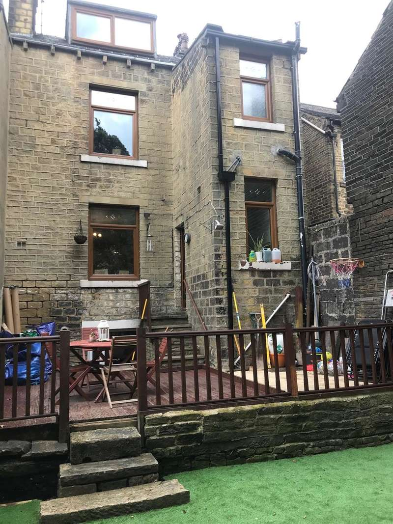 4 Bedrooms Terraced House for sale in Orion Place, Sowerby Bridge