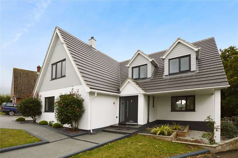 4 Bedrooms Detached House for sale in Upper Lambricks, Rayleigh, SS6