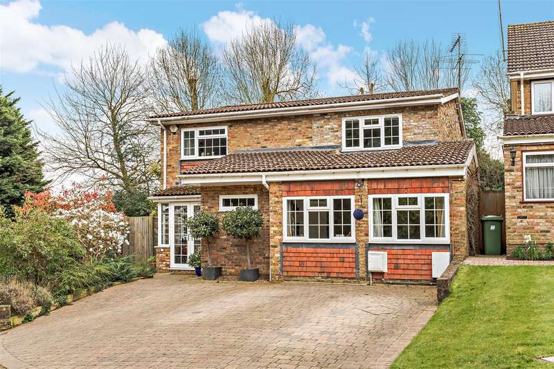 4 Bedrooms Detached House for sale in Woodfield Road, Radlett